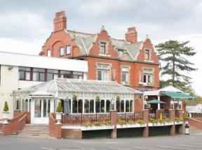 The Pines Hotel Preston