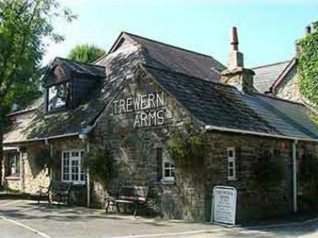 Trewern Arms Hotel Newport