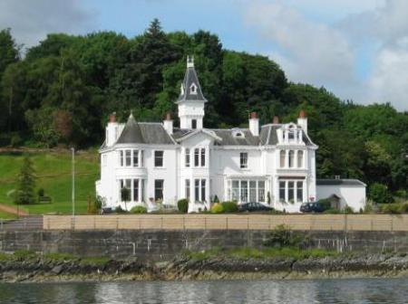 Historic small hotel in dunoon strathclyde hunters quay for Small historic hotels