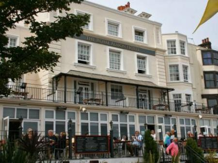Historic small hotel in broadstairs kent royal albion hotel for Small historic hotels