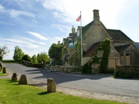 Historic Accommodation The Swan Inn Burford