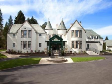 Historic small hotel in auchterarder tayside the cairn for Small historic hotels