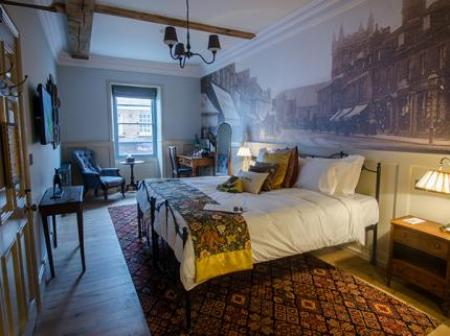 1777 Bedrooms & Breakfast At The Albion, Wimborne Minster, Dorset