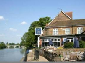 Mercure Thames Lodge, Staines