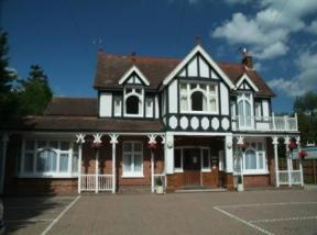 Gatwick Belmont Guest House, Horley