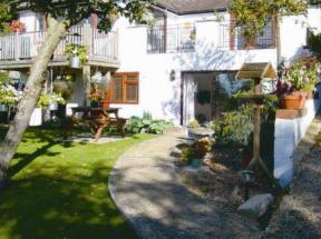 Greenhills Garden Apartment Princes Risborough