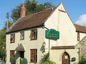 The Half Moon Inn & Country Lodge, Mudford