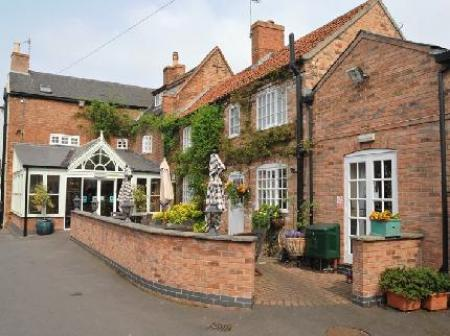 Historic small hotel in nottingham nottinghamshire the for Small country hotels