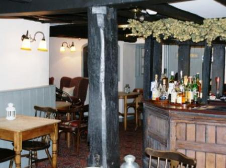 Historic small hotel in hay on wye powys old black lion for Small historic hotels