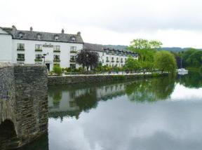 Historic hotel in newby bridge cumbria swan hotel for Hotels in lake windermere with swimming pool