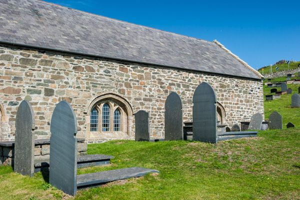 Aberdaron, St Hywyn's Church photo, The south exterior and churchyard