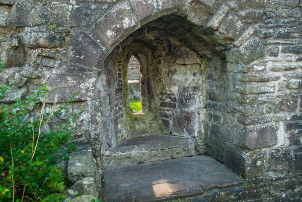 Abergavenny Castle photo, A medieval window embrasure