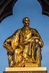 Albert Memorial, The gilded figure of Prince Albert