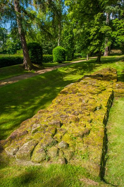 Aldborough Roman Site photo, A section of Roman wall