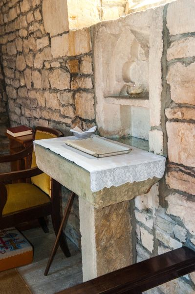 Alderton, St Margaret's Church photo, The 14th century piscina