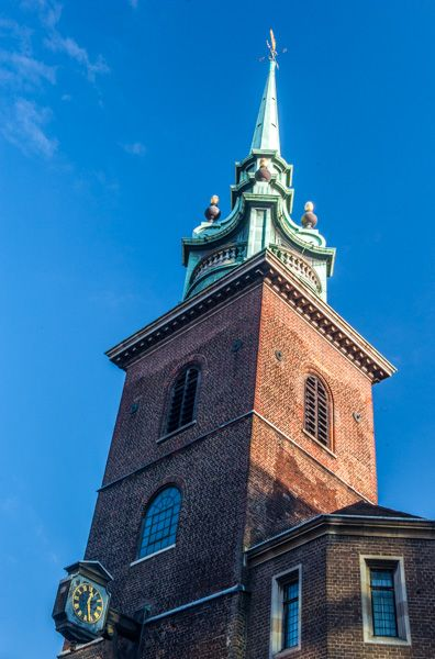 All Hallows-by-the-Tower photo, Samuel Pepys' tower