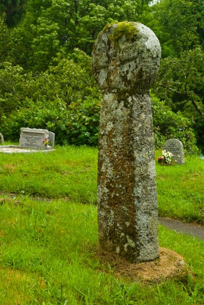 Altarnun photo, A Celtic cross in the churchyard