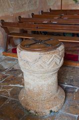 Ampney St Mary Church, Norman font