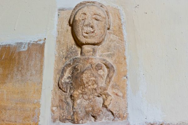 Ampney St Peter Church photo, Sheela-na-gig carving