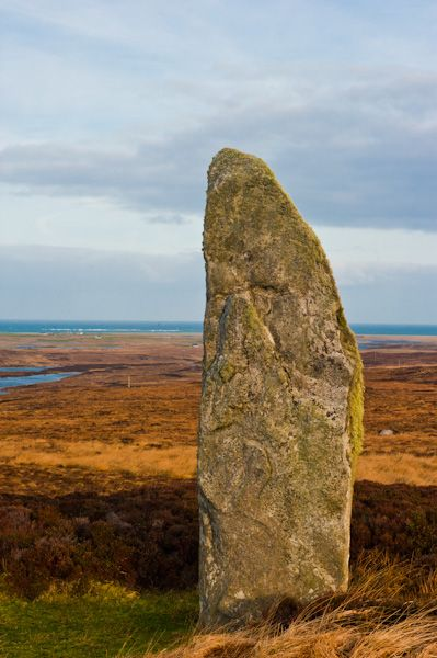 An Carra Standing Stone photo, A closer look at the standing stone