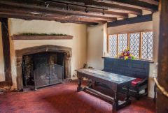 Anne of Cleves House, The ground floor parlour