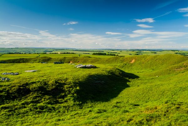 Arbor Low photo, The henge bank and ditch
