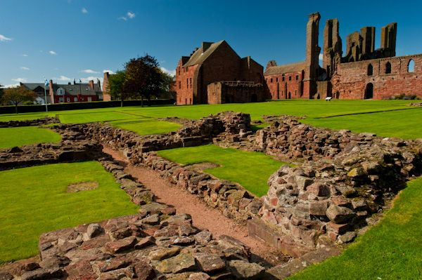 Arbroath Abbey photo, Ruined foundations