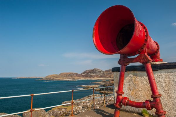 Ardnamurchan Point Lighthouse photo, The foghorn up close
