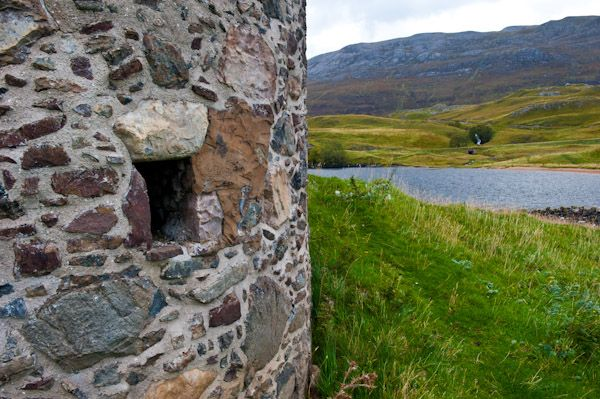 Ardvreck Castle photo, Tower house wall