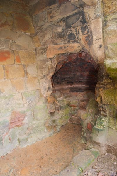 Ashby-de-la-Zouch Castle photo, Bread oven