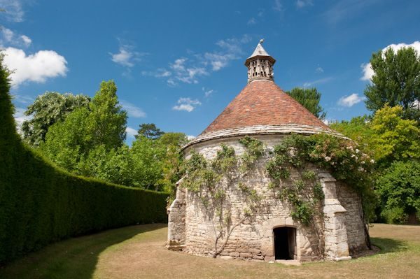 Athelhampton House photo, Dovecote