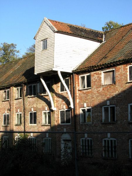 Aylsham photo, Millgate Mill (c) Evelyn Simak