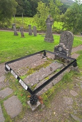 Rob Roy's grave at Balquhidder