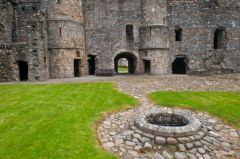 Balvenie Castle, The castle well and inner courtyard