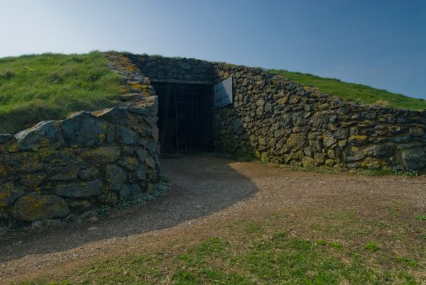 Barclodiad y Gawres photo, Tomb entrance