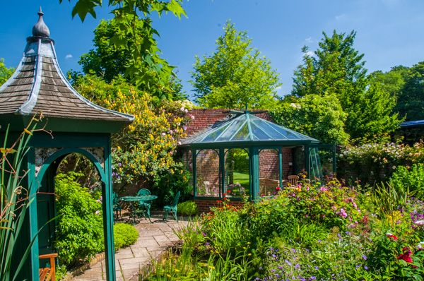 Barnsdale Gardens - History, Travel, and accommodation ...