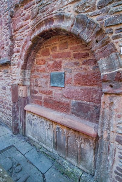 Beauly Priory photo, Tomb of Alexander Chisholm, 1793