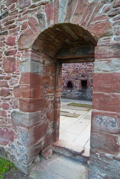 Beauly Priory photo, 13th century arch into the church