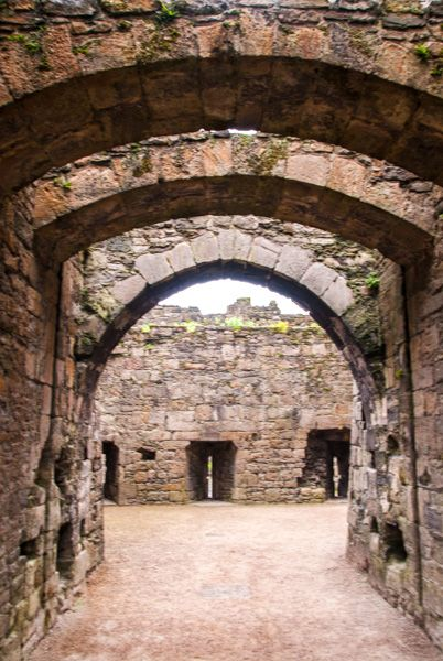 Beaumaris Castle photo, Passage to the inner courtyard