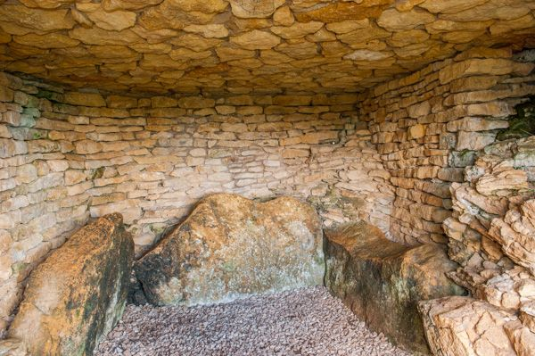 Winchcombe photo, Belas Knap chambered tomb