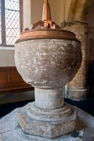 Norman chalice font