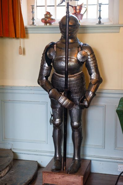 Benthall Hall photo, A suit of armour in the hall