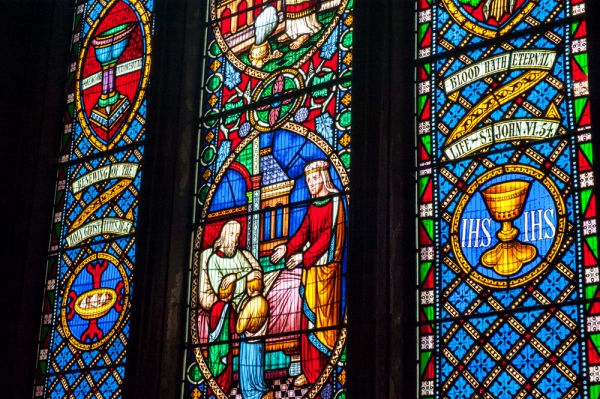 Berwick-upon-Tweed, Holy Trinity Church photo, Colourful 19th century glass