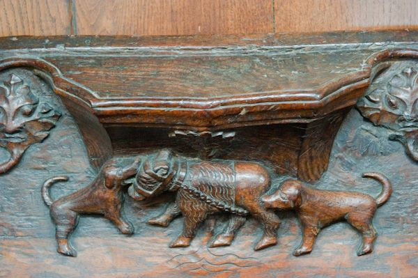 Beverley, St Mary's Church photo, Misericord of bear baiting