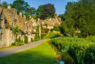 Groovy Bibury Gloucestershire Historic Gloucestershire Guide Download Free Architecture Designs Lukepmadebymaigaardcom