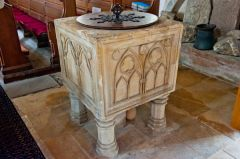 13th century square font