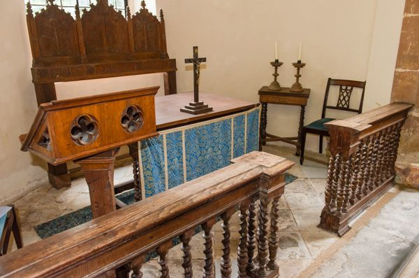 Billesley, All Saints Church photo, The altar - was Shakespeare married here?