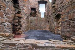 Birsay Earl's Palace, Foundation walls of the Earl's residence