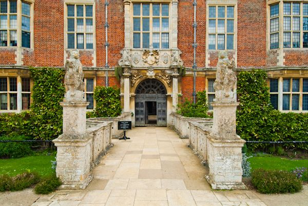 Blickling Hall photo, Front entrance