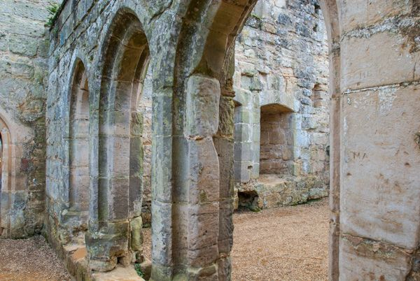 Bodiam Castle photo, Medieval arches